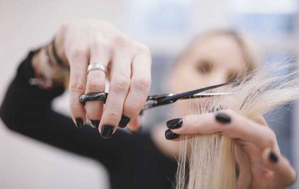 Career Prospects after Completing Hair Styling Courses
